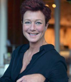 Desiree Curfs: Langs de meetlat
